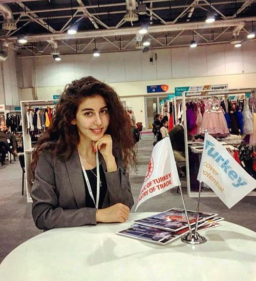 Rusça-Türkçe Hostes Tercuman